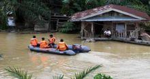 pintu-air-plta-kotopanjang-dibuka-ribuan-rumah-tergenang-banjir-di-kampar