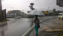 warga-yang-suka-bepergian-hatihati-hari-ini-riau-diprediksi-hujan-disertai-petir