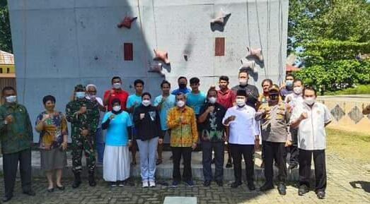 Tinjau Kesiapan Atlet Panjat Tebing Menuju PON XX, Gubernur Riau Janjikan Bonus bagi Atlet Berprestasi