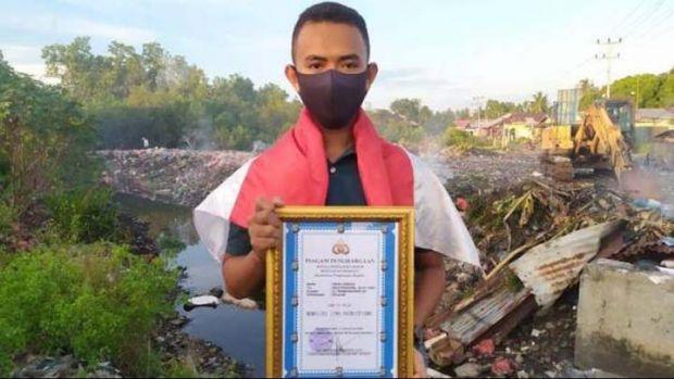 Amar Hawari, Pelajar SMA di Meranti sang Patriot Masa Kini; Selamatkan Bendera Merah Putih yang Hanyut