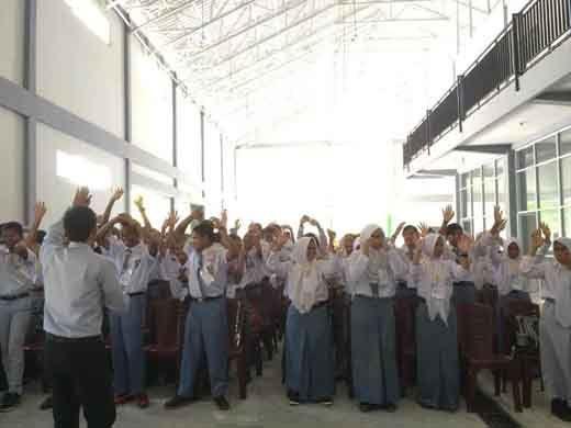 60 Pelajar SMK Negeri 5 Pekanbaru Dilatih Dasar Kepemimpinan