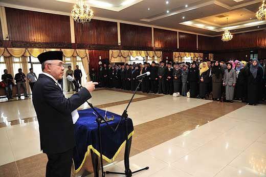 KPK Kumpulkan Semua Pejabat Pemprov Riau, Termasuk Gubernurnya