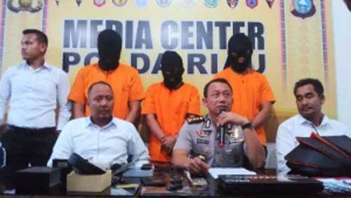Man Bocet Cs, Pencuri Uang Hampir Rp1 Miliar di Rumah Mewah Jalan Singgalang Pekanbaru Dibekuk Polisi