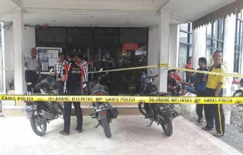 Ini Ciri-ciri Pelaku Pelempar Bom Molotov di Kantor Bank Riaukepri dan BNI Tembilahan