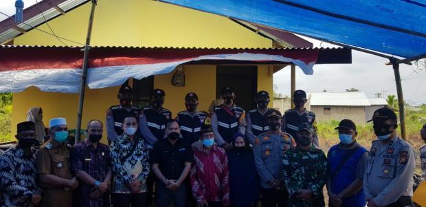 Bersama Ketua DPRD Inhil, Kapolsek GAS Resmikan Rumah Layak Huni untuk Guru Mengaji