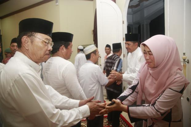 Menyambut Bulan Suci Ramadan 1438 H, Wabup Siak H Alfedri Gelar Doa Bersama di Rumah Dinasnya