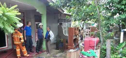 Sempat Terdengar Ledakan sebelum Rumah Siagian di Jalan Sakuntala Pekanbaru Terbakar