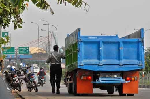 "Buru Oknum Pelaku Pungli di Riau, Operasi ""Saber"" Dilanjutkan"