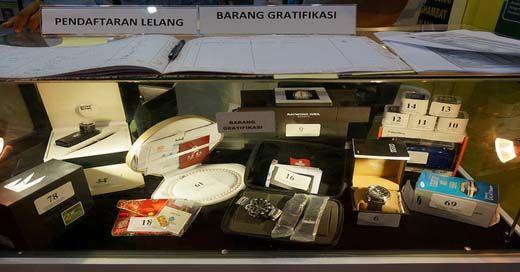 KPK Ingin Tunjukkan Berlian Hasil Gratifikasi Seharga Rp4 Miliar kepada Masyarakat Riau