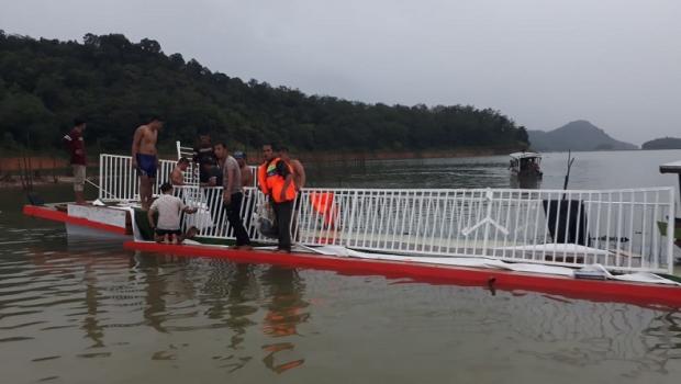 Kapal Wisata Berpenumpang 40 Orang Terbalik di Danau PLTA Kotopanjang Kampar, Satu Tewas