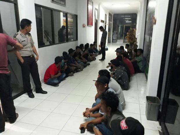 Selain Miras dan Wanita Penghibur, Puluhan Pengunjung Juga Ikut Diamankan Polres Siak Saat Menggelar Operasi Pekat Menjelang Ramadan