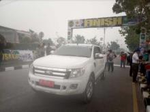 sempat-balapan-20-km-etape-3-itour-de-siaki-2019-dihentikan-karena-kabut-asap-tebal