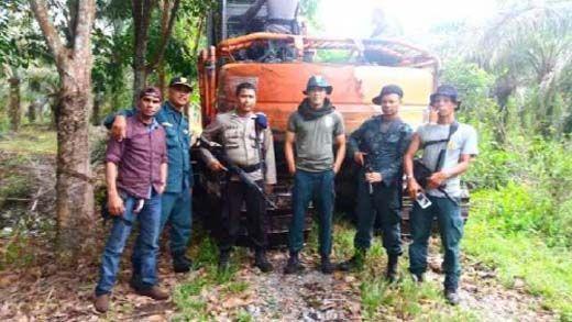 Tim Kementerian LHK, Polda Riau dan TNI Amankan Alat Berat dari Taman Nasional Tesso Nilo Pelalawan
