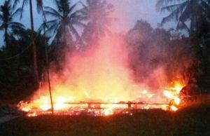 Terbakar Jelang Salat Subuh, Rumah Warga Desa Tanjung Tebingtinggi Barat Kepulauan Meranti Rata dengan Tanah