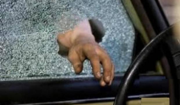 Pecahkan Kaca Mobil, Rampok Gondol Uang Gaji Pegawai Honorer Puskesmas Siak
