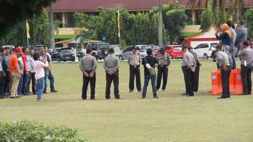 Puluhan Orang Mengamuk dan Serang Calon Wali Kota Pekanbaru