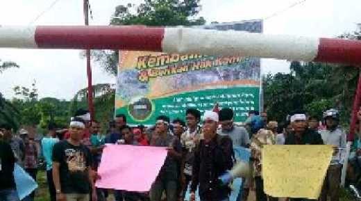 Warga Ukui Pelalawan Demo PT Gandaerah Hendana, Tuntut Kembalikan Sungai yang Dialih Fungsi Jadi Parit, Ukur Ulang HGU dan CSR