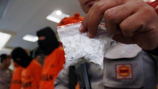 Dijemput ke Malaysia Lewat Selat Malaka, Polisi Bengkalis Tangkap Pasutri Bandar Narkoba Lintas Negara
