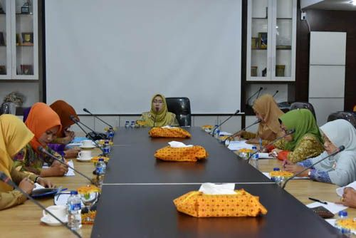 Zulaikhah Wardan Pimpin Rapat PKK Inhil: Evaluasi Program 2016, Susun Kegiatan Prioritas 2017