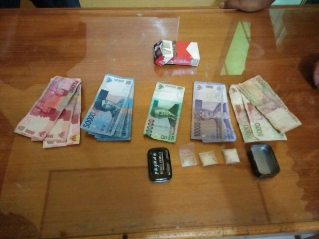 Simpan Sabu, Warga Pelalawan Diciduk Polisi saat Sedang Tidur di Rumah Saudaranya di Sebuah Kampung Kabupaten Siak