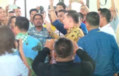 Sidang Kasus Dugaan Suap APBD Riau: Pascavonis Bebas Bupati Rohul Nonaktif, Kuasa Hukum Suparman Segera Serahkan Putusan ke Gubernur Riau