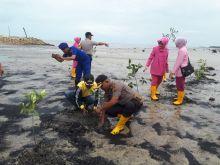 selamatkan-pantai-dari-abrasi-polisi-dan-masyarakat-bengkalis-tanam-mangrove-tanam-1500-imangrovei