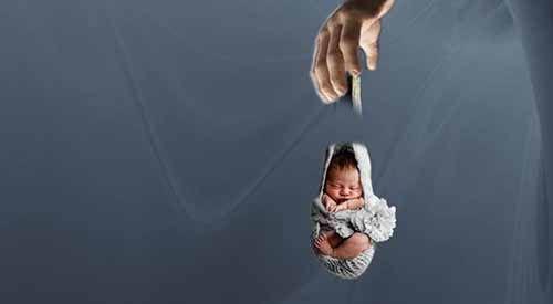 Ya Ampun, Bayi Prematur Dibuang Orang Tuanya dan Dimasukan ke Kardus Mi Instan di Rokan Hulu