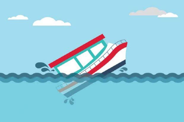 Kapal Pengangkut Kelapa Tenggelam Dihantam Ombak Besar di Perbatasan Jambi-Riau