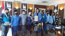 aliansi-mahasiswa-dan-pemuda-seriau-datangi-kantor-wali-kota-pekanbaru-minta-kadiskes-m-noer