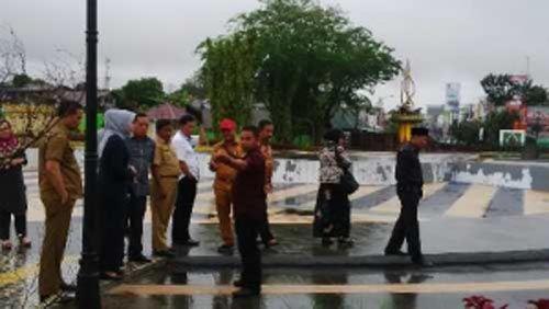 Para Anggota Komisi D DPRD Riau Kecewa, Dua Proyek Taman Senilai Rp15 Miliar Dibangun Asal-asalan