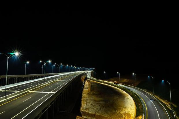 Melintas Dini Hari Menuju Bagansiapiapi, Mobil Warga Rohil Dilempar Batu dari Atas Jembatan Tol Permai Wilayah Kandis