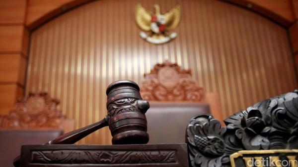 Terbukti Korupsi Anggaran Makan, Biaya Rapat hingga Kunker Rp7 Miliar, Eks Kasubbag di Setdakab Kuansing Divonis Penjara 4 Tahun