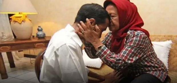 Ibunda Presiden Jokowi Wafat, Ini Profil Singkatnya