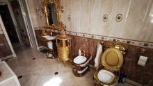 toilet-dan-perabot-di-rumah-kepala-polisi-rusia-terbuat-dari-emas-belakangan-terbongkar-ternyata