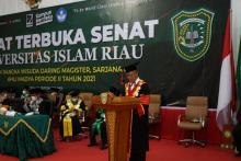 mc-acara-wisuda-uir-gunakan-bahasa-indonesia-inggris-dan-arab