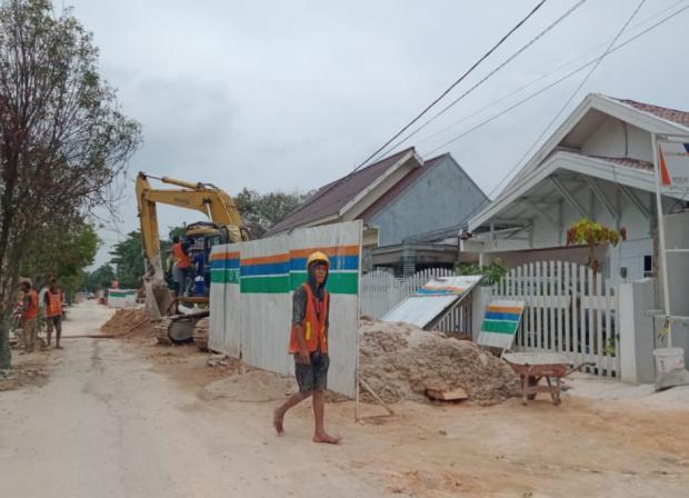 Warga Sekitar Jalan Sawai Sukajadi Pekanbaru Kesal Proyek IPAL tak Kunjung Selesai