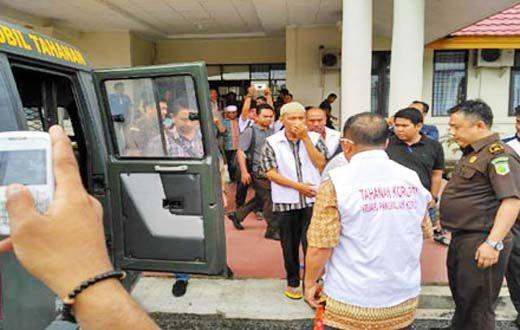 Enam Tersangka Korupsi Proyek Multimedia Disdik Pelalawan Ditahan Kejaksaan