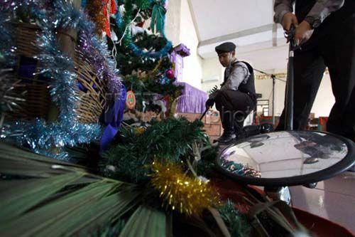 Sterilisasi, Polisi di Kampar Bersinergi dengan Pengamanan Dalam Gereja