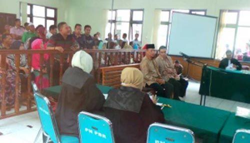 Sidang Dugaan Suap APBD Riau: Mantan Ketua DPRD Riau Johar Firdaus Dituntut 6 Tahun Penjara, Bupati Rohul Nonaktif Suparman 4 Tahun 6 Bulan