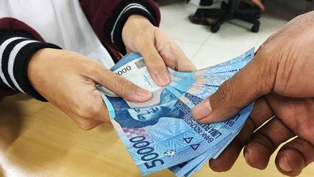Pungli di Kelurahan di Kota Pekanbaru Marak Lagi, Oknum Pegawai dengan Ciri-ciri Menggunakan Kacamata Ukuran Besar Diduga Minta Uang Pengurusan Surat Keterangan Domisili