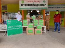 lindungi-paramedis-desa-di-tengah-pandemi-covid19-asian-agri-bantu-apd-ke-puskesmas