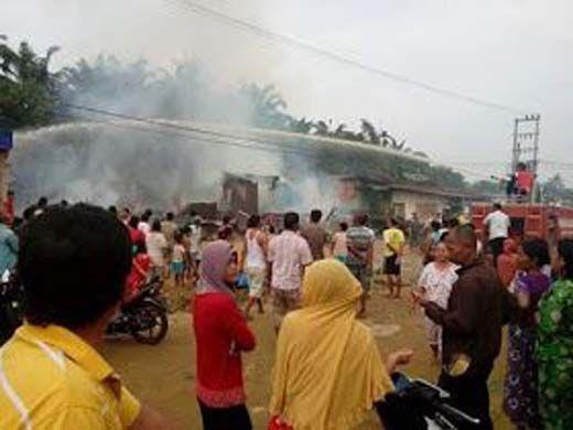Lima Unit Rumah Hangus Terbakar di Balaijaya Rohil, Kerugian Capai Ratusan Juta