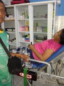 mobil-rombongan-penerima-bantuan-program-keluarga-harapan-di-rupat-utara-terjun-ke-parit-1-tewas