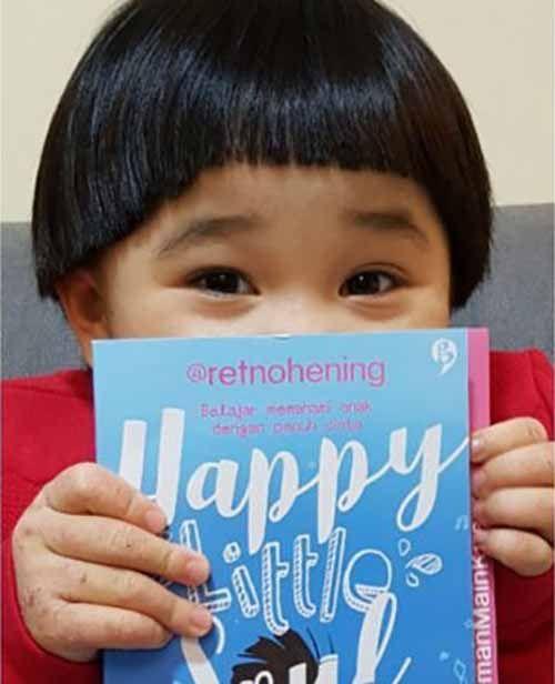 Cerita Cinta Retno Hening, Ibu Muda Asal Riau yang Kini Tinggal di Oman, Membesarkan Kirana dalam Buku