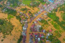 banjir-di-rokan-hulu-rendam-rumah-warga-dan-jalan-lintas-riausumatera-utara