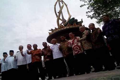 Tugu yang Diresmikan Ketua KPK Terindikasi Jadi Ajang Korupsi Berjemaah, Gubernur Riau Harus Tanggung Jawab, Fitra: Kejaksaan Jangan Gertak Sambal Saja!