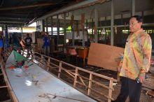 beralih-dari-kayu-ke-fiberglass-perajin-inhil-dilatih-bikin-boat-sampai-jadi-dan-langsung-bisa