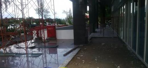 Buang-buang Duit APBD! Keramik Lantai Menara Lancang Kuning Kantor Gubernur Riau yang Masih Layak Diganti Baru