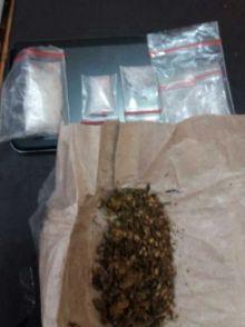 perumahan-di-taman-karya-tampan-digerebek-polisi-3-terduga-pengedar-narkoba-ditangkap