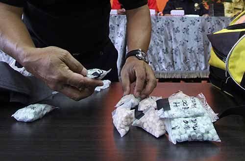 Polisi Gagalkan Penyelundupan Sabu dan Ratusan Ekstasi dari Malaysia yang Pakai Jasa TKI Asal Indragiri Hilir